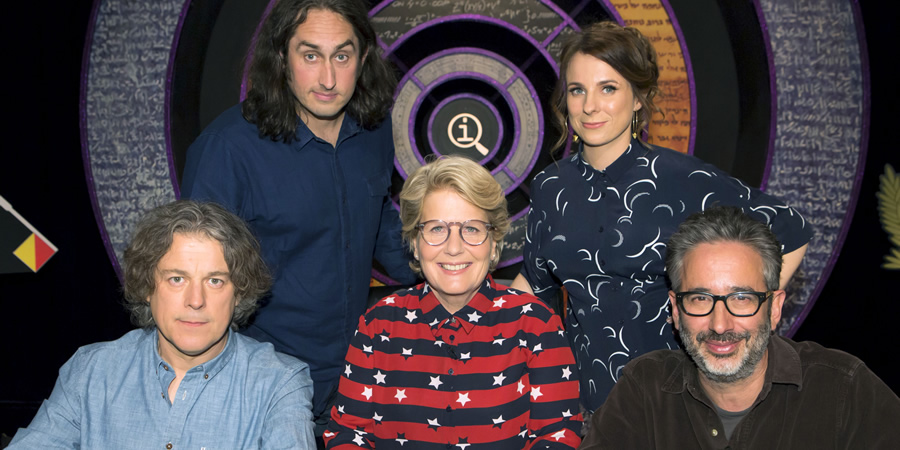 QI. Image shows from L to R: Alan Davies, Ross Noble, Sandi Toksvig, Cariad Lloyd, David Baddiel. Copyright: TalkbackThames.