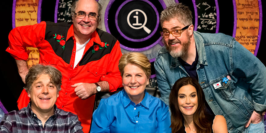 QI. Image shows from L to R: Alan Davies, Danny Baker, Sandi Toksvig, Phill Jupitus, Teri Hatcher. Copyright: TalkbackThames.