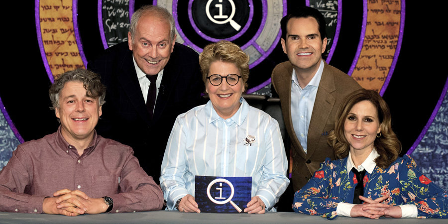 QI. Image shows from L to R: Alan Davies, Gyles Brandreth, Sandi Toksvig, Jimmy Carr, Sally Phillips. Copyright: TalkbackThames.