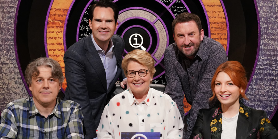 QI. Image shows from L to R: Alan Davies, Jimmy Carr, Sandi Toksvig, Lee Mack, Alice Levine. Copyright: TalkbackThames.