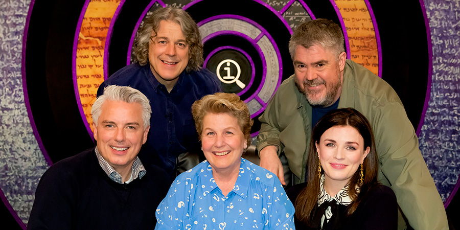 QI. Image shows from L to R: John Barrowman, Alan Davies, Sandi Toksvig, Phill Jupitus, Aisling Bea.