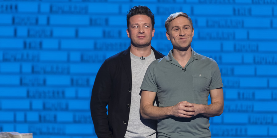 The Russell Howard Hour. Image shows from L to R: Jamie Oliver, Russell Howard. Copyright: Avalon Television.