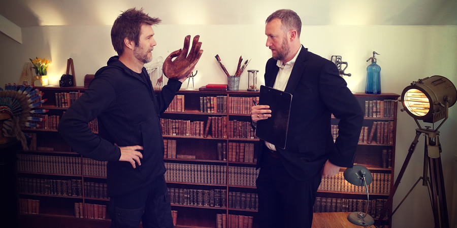 Taskmaster. Image shows from L to R: Rhod Gilbert, Alex Horne. Copyright: Avalon Television.