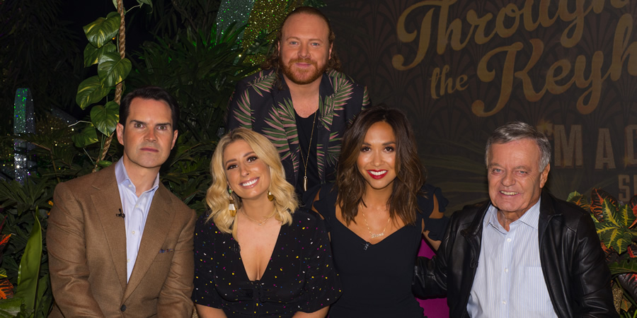 Through The Keyhole. Image shows from L to R: Jimmy Carr, Stacey Solomon, Leigh Francis, Myleene Klass, Tony Blackburn. Copyright: Talkback.