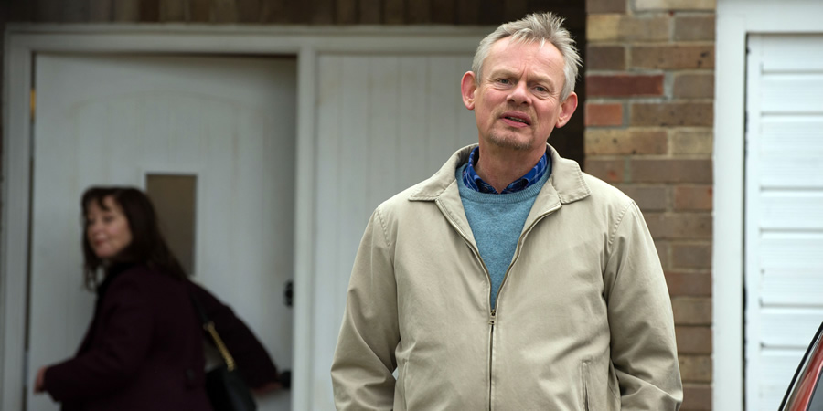 Warren. Image shows from L to R: Anne (Lisa Millett), Warren Thompson (Martin Clunes). Copyright: Hat Trick Productions.