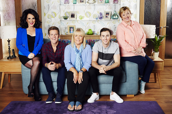 Birds Of A Feather. Image shows from L to R: Dorien Green (Lesley Joseph), Garth Stubbs (Samuel James), Tracey Stubbs (Linda Robson), Travis Stubbs (Charlie Quirke), Sharon Theodopolopodous (Pauline Quirke). Copyright: Alomo Productions / Retort.