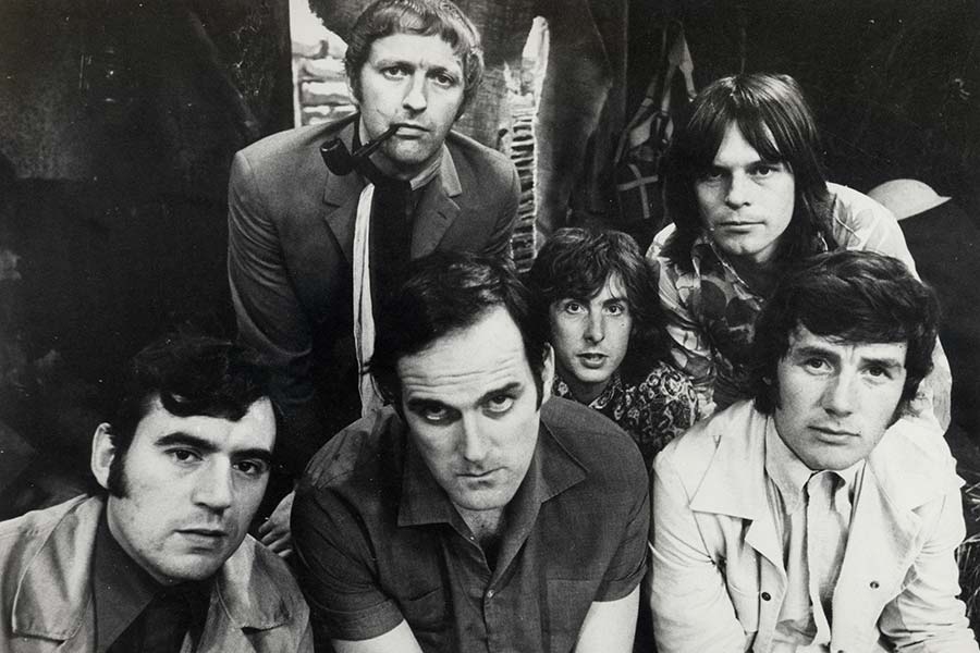 Monty Python's Flying Circus. Image shows from L to R: Terry Jones, Graham Chapman, John Cleese, Michael Palin, Terry Gilliam, Michael Palin.