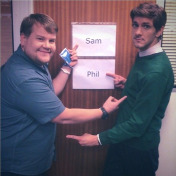 The Wrong Mans. Image shows from L to R: Phil (James Corden), Sam (Mathew Baynton). Copyright: BBC / Hulu.