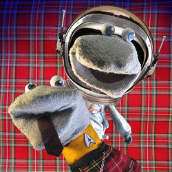 Scottish Falsetto Sock Puppet Theatre - In Space. Copyright: Baby Cow Productions / Pett Productions.