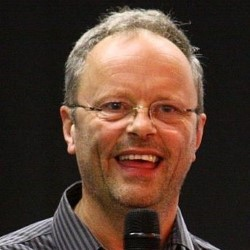 robert llewellyn red dwarf