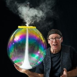 The Amazing Bubble Man. Louis Pearl.