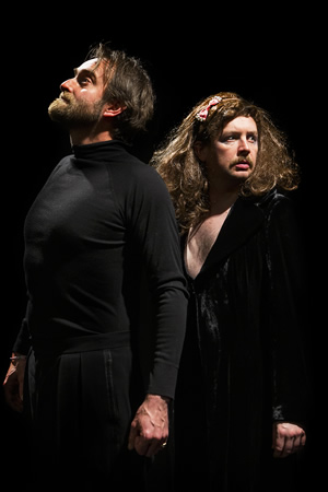 Macbeth. Image shows from L to R: Tim Fitzhigham, Thom Tuck. Copyright: Alexis Dubus.