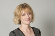 Outnumbered. Sue (Claire Skinner). Copyright: Hat Trick Productions.