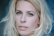 Sara Pascoe signs book deal