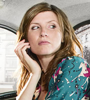 Free Agents. Helen Ryan (Sharon Horgan). Copyright: Big Talk Productions / Bwark Productions.