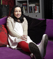 Ideal. Tilly (Janeane Garofalo). Copyright: Baby Cow Productions.