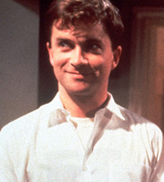 Men Behaving Badly. Dermot (Harry Enfield). Image credit: Hartswood Films Ltd.