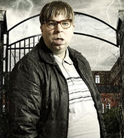 Psychoville. David Sowerbutts (Steve Pemberton). Image credit: British Broadcasting Corporation.