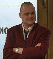 Time Gentlemen Please. Guv (Al Murray). Copyright: Avalon Television.