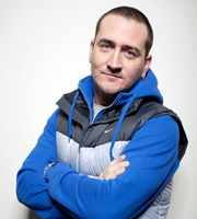 Two Pints Of Lager And A Packet Of Crisps. Gary 'Gaz' Wilkinson (Will Mellor). Copyright: BBC.