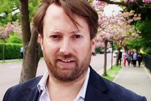 David Mitchell hosts challenge show Outsiders
