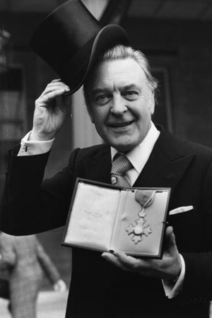 Donald Sinden receiving his CBE in 1979. Donald Sinden.