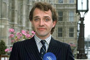 The New Statesman. Alan B'Stard MP (Rik Mayall). Copyright: Yorkshire Television / Alomo Productions.