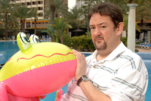 Benidorm. The Oracle (Johnny Vegas). Copyright: Tiger Aspect Productions.