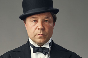 Decline And Fall. Philbrick (Stephen Graham).