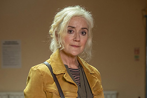 Feel Good. Maggie (Sophie Thompson).