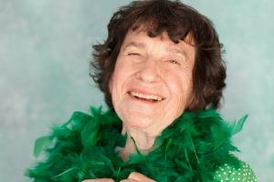 Stand-up Lynn Ruth Miller dies aged 87