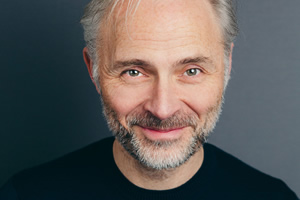Mark Bonnar.