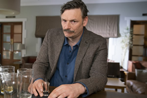 Sally4Ever. Nigel (Julian Barratt).
