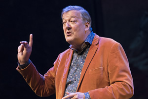 Stephen Fry to present Edinburgh awards