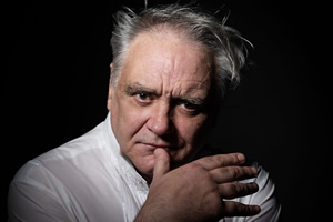 Tony Slattery to present mental doc