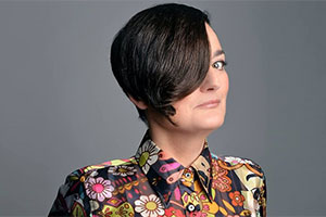 Zoe Lyons to host physical gameshow Lightning