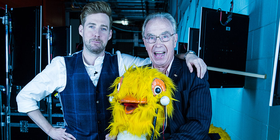 Image shows from L to R: Ricky Wilson, Bernie Clifton. Copyright: Talpa.