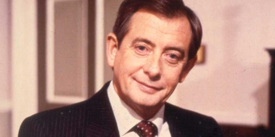 Yes Minister star Derek Fowlds dies aged 82