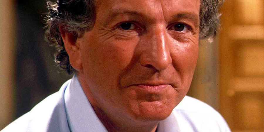 Duty Free. David Pearce (Keith Barron). Copyright: Yorkshire Television.