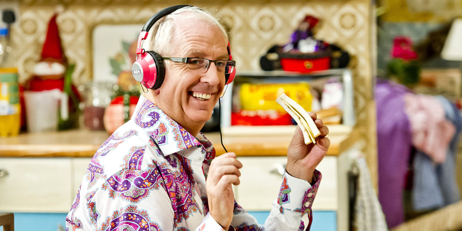 Mrs. Brown's Boys. Rory Brown (Rory Cowan).